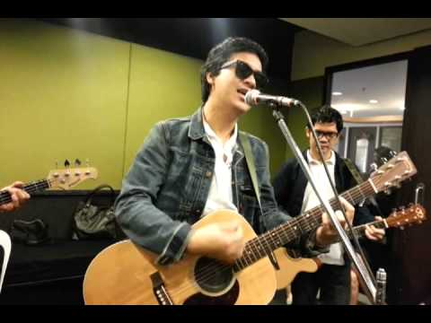 Ely Buendia on The Morning Rush - Part 4 : Alapaap
