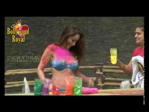 Download Photo Shoot Of Sofia Hayat for Holi Part-2