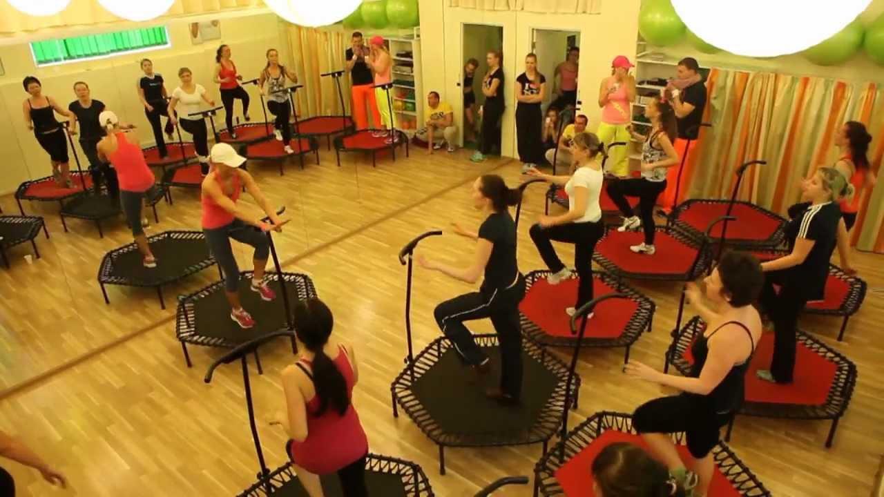 29 ноя 2012. Профессиональный батут можно купить на сайте http://jumpingfitness. Com. Ua/ батуты торговой марки скай джампинг профессиональный батут торговой марки скай джа.