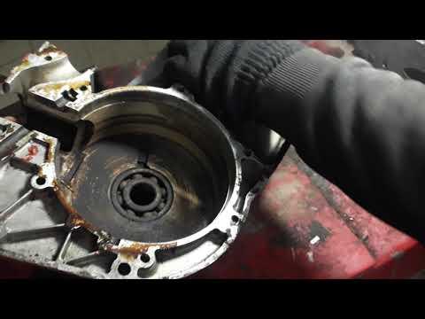 Разобраный двигатель Ява 360, выявление проблем!