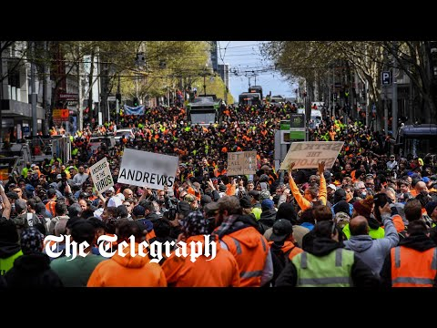 Melbourne construction workers protest Covid shutdown of industry