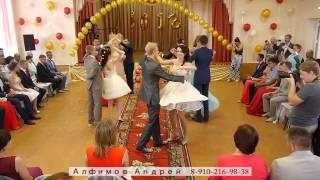 Школа № 1 Льгов(Танец выпускников. Другие мои видео : http://ok.ru/profile/552786874868 https://vk.com/andrey_hc., 2015-07-30T11:24:10.000Z)