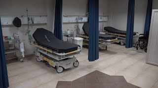 مشفى يخدم أكثر من ٨٠ ألف مواطن ومغلق بالاقفال