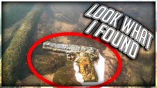 Found Murder Weapon Underwater in a River! (LIVE FOOTAGE)