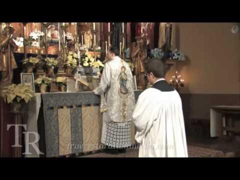 TR Media: Fr. Julian Larrabee: Sung Traditional Latin Mass (Pius X rubrics)