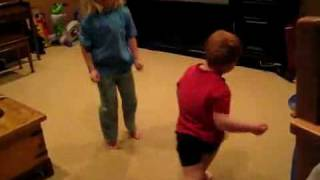 Kids Dancing to Apple Bottom Jeans by T-Pain