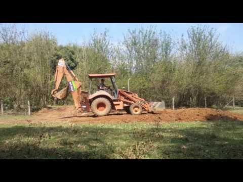 Retroescavadeira Fiatallis FB80.2 (video 1)
