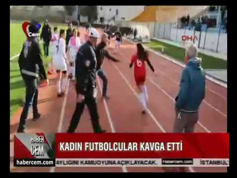 Kadın Futbolcular Kavga Etti