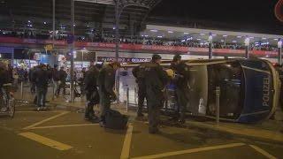 Schwere Ausschreitungen durch Hooligans in Köln - 48 Verletzte Polizisten am 26.10.2014 + O-Ton