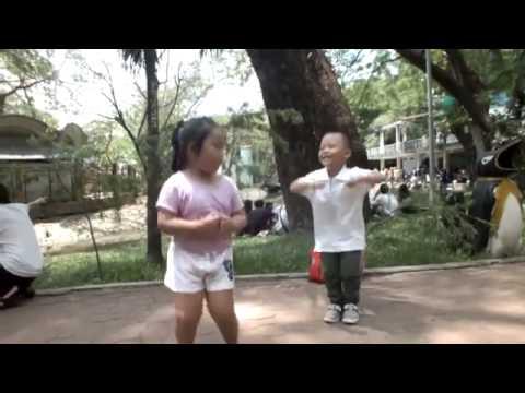Bé tham gia nhảy cùng Wonderfarm
