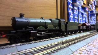 "Running my Hornby Railways ""Tintagel Castle"" GWR Castle Class Steam Locomotive"