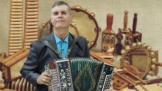 Играет с душой - народная музыка на гармони - исполняет Александр Пахомов.