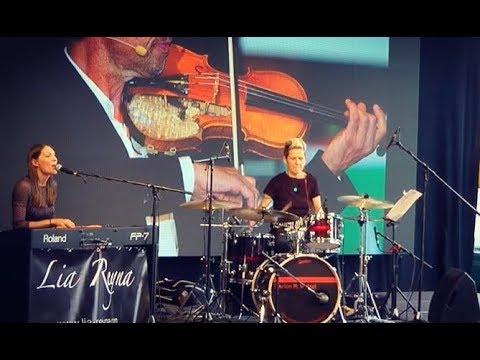 Lia Reyna + Drummerin - 70 Jahre  Schwäpo Aalen