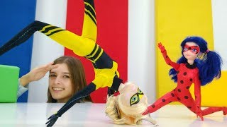 ToyClub шоу - Супер кот ищет куклу Квин Би.