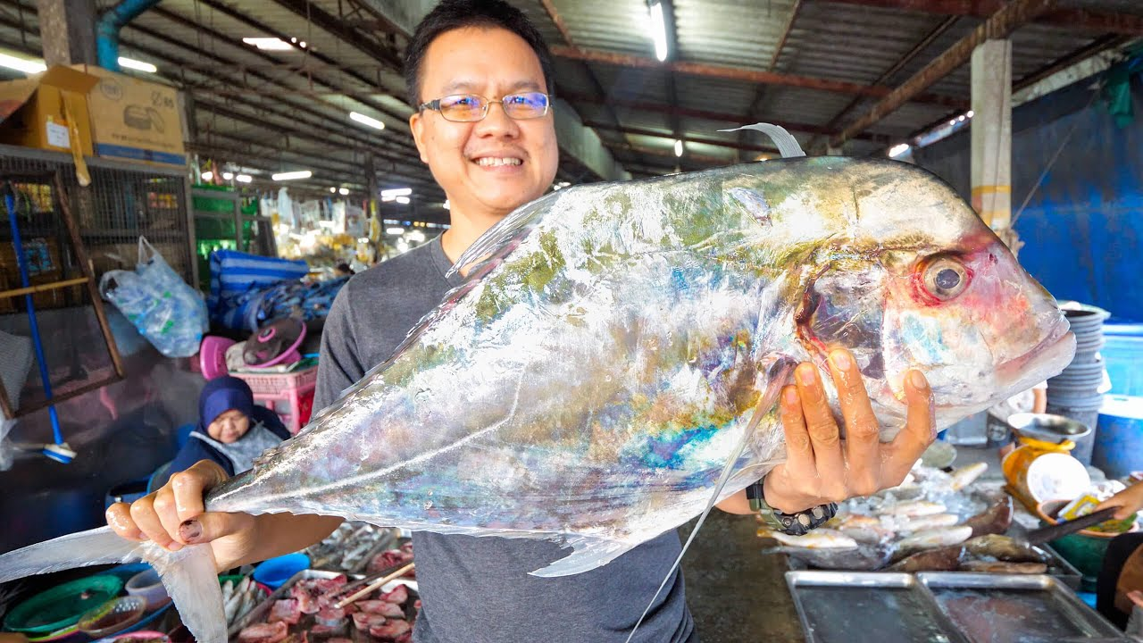 Thai Street Food - AFRICAN POMPANO!! ? Market to Table in Phang Nga, Thailand!! ??