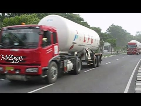 FAW and Hino FM320Ti Tractor Head LPG Gas Tanker Truck Pertamina