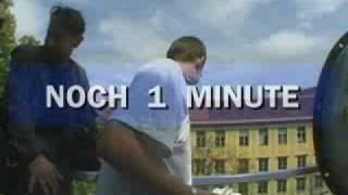 Geld über Graz abwerfen - 100.000 Schilling zum Fenster raus (2001)