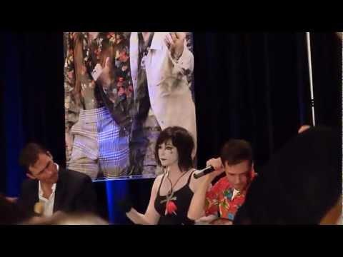ChiCon 2012 Gabriel Tigerman singing at Karaoke