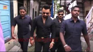 ajaz khan fights with hospital authority to help a media female parson