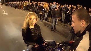 Блондинке повезло, но квадроцикл остался мокрым)))))))))))))