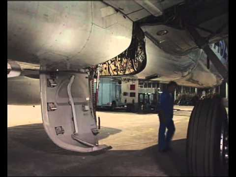 Airbus A321 Main Landing Gear Doors Ground Operation Youtube