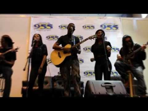 B.O.B. - Don't Let me Fall, Live at Channel 955