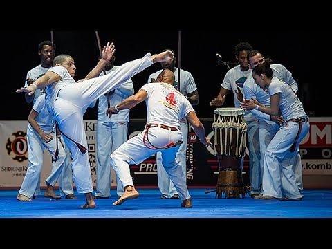 L'Abada Capoeira au 30e Festival des Arts Martiaux