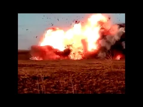 Ukraine War - Russian artillery shelling Ukrainian army positions near Donetsk Ukraine from YouTube · Duration:  1 minutes 48 seconds