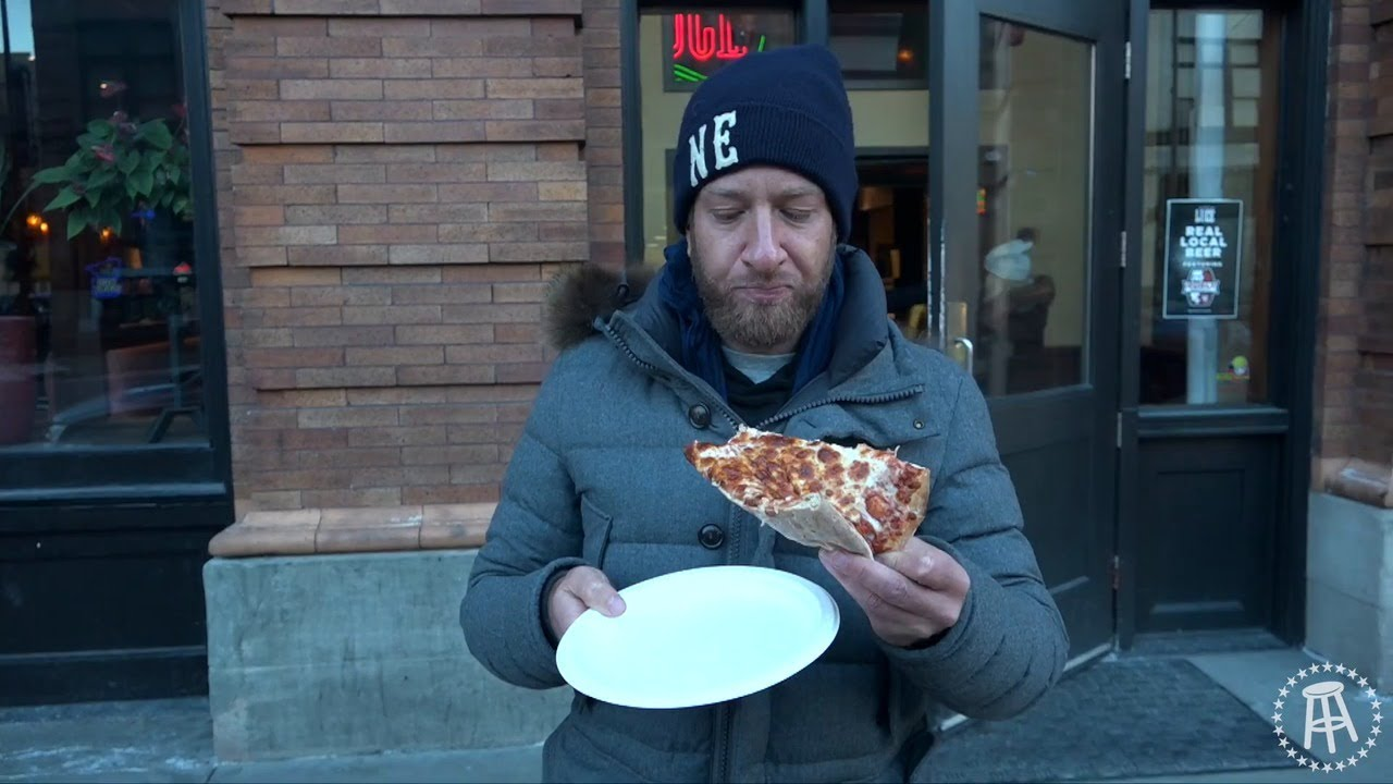 Barstool Sports Reviews Minnesotas Beloved Pizza Joints Trashing A Few Favorites Startribune Com