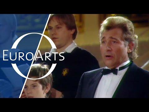 Bach / Gounod - Ave Maria (Siegfried Jerusalem & Tölz Boys' Choir)