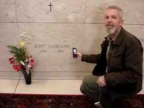 Judy Garland's Temporary Resting Place - YouTube
