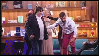 Milica Todorovic pokazuje pokret Jeleni Rozgi - Ami G Show S09