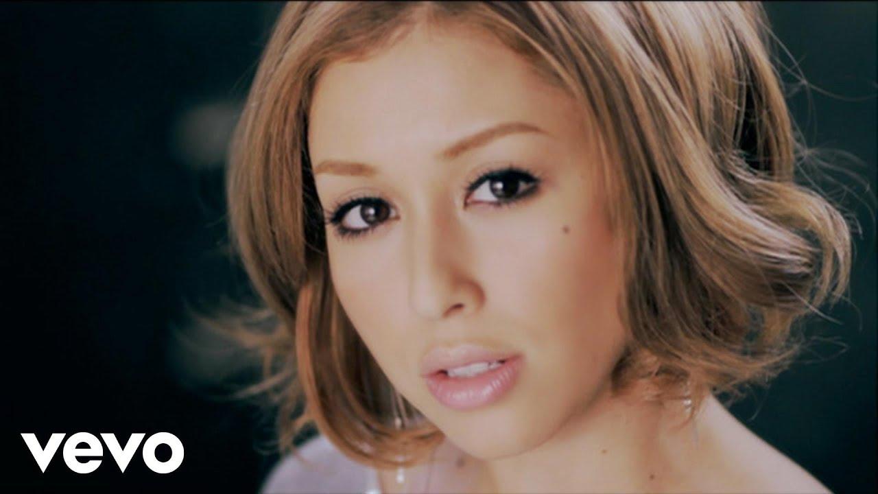 BENI - ユラユラ - YouTube