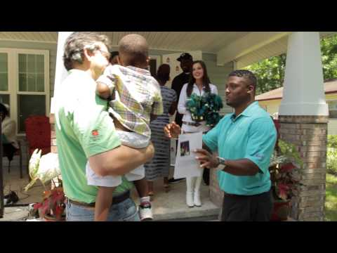 EverBank, Jacksonville Jaguars and Warrick Dunn Charities Team Up to Help Family