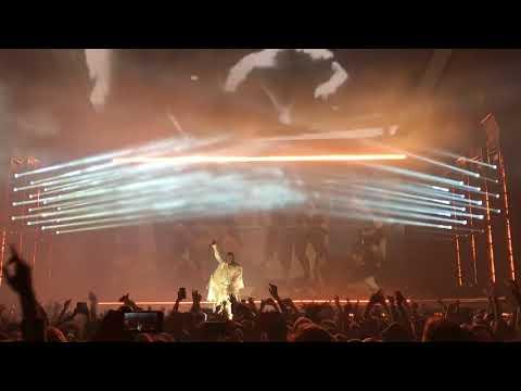 KENDRICK LAMAR | Swimming Pools [Drank] / Backseat Freestyle [Live at Paris DAMN. World Tour 2018]