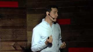 Os bastidores de um empreendedor | Miguel Cavalcanti | TEDxLaçador