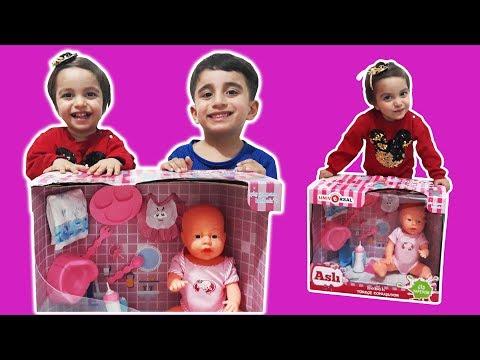 Zeynebe dayısı süt içen, Altını ıslatan, Türkçe konuşan, Aslı bebek Hediye aldı Funny kids video