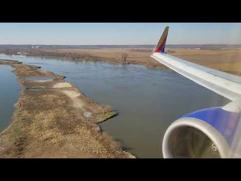 Southwest 737-700 Landing in Omaha
