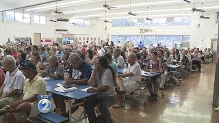Navy responds to hundreds at meeting over Oahu's drinking water