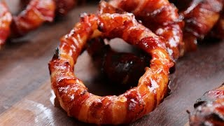 Sriracha Bacon Zwiebelringe vom Grill - Sriracha Bacon Onion Rings