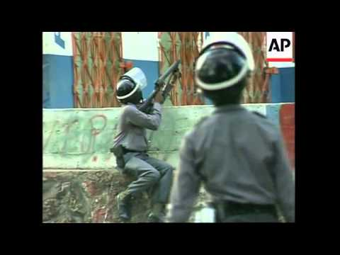 DOMINICAN REPUBLIC: POLICE FIRE TEAR GAS AT DEMONSTRATORS