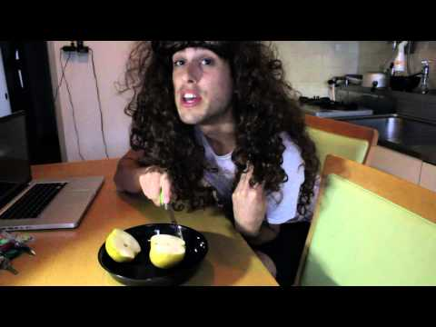 Housewife in Japan - Pear Ballz