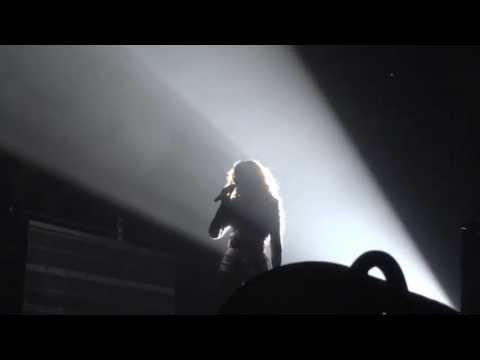 Beyoncé- Whitney Houston Tribute-
