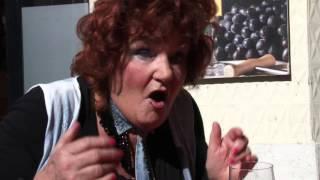Imca Marina - Vino, waar is het fout gegaan (officiële videoclip)