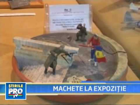 Alba Iulia - Tancuri, avioane, elicoptere! Prima expozitie de machete din Romania!.flv