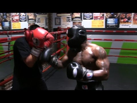 TROY KING SPARRING FOR UPCOMING FIGHT (BOXINGEGO SPARRING SESSIONS)