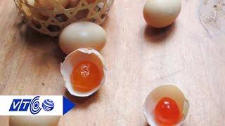 Hướng dẫn tự làm trứng muối: Ngon, bổ, rẻ! | VTC