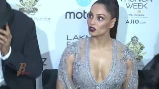 Bipasha Basu Oops Moment At Lakme Fashion Week Summer Resort 2017