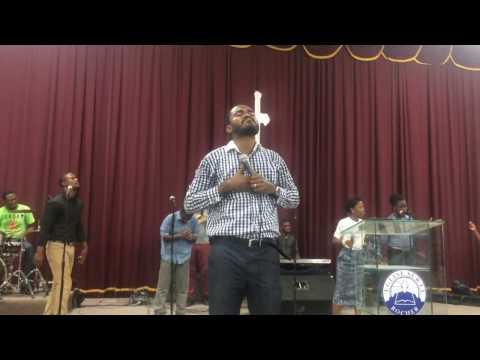 BONDYE OU FIDEL live-DELLY BENSON