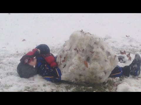 Rowan gets stuck under a giant snowball!